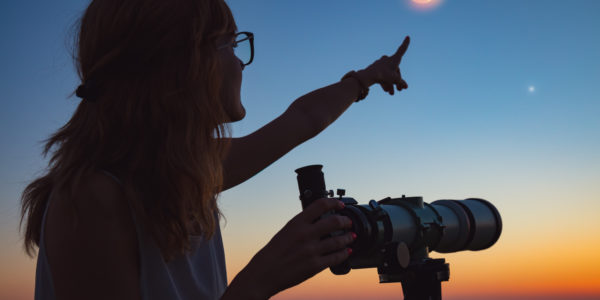 Astronomy-girl-with-telescope